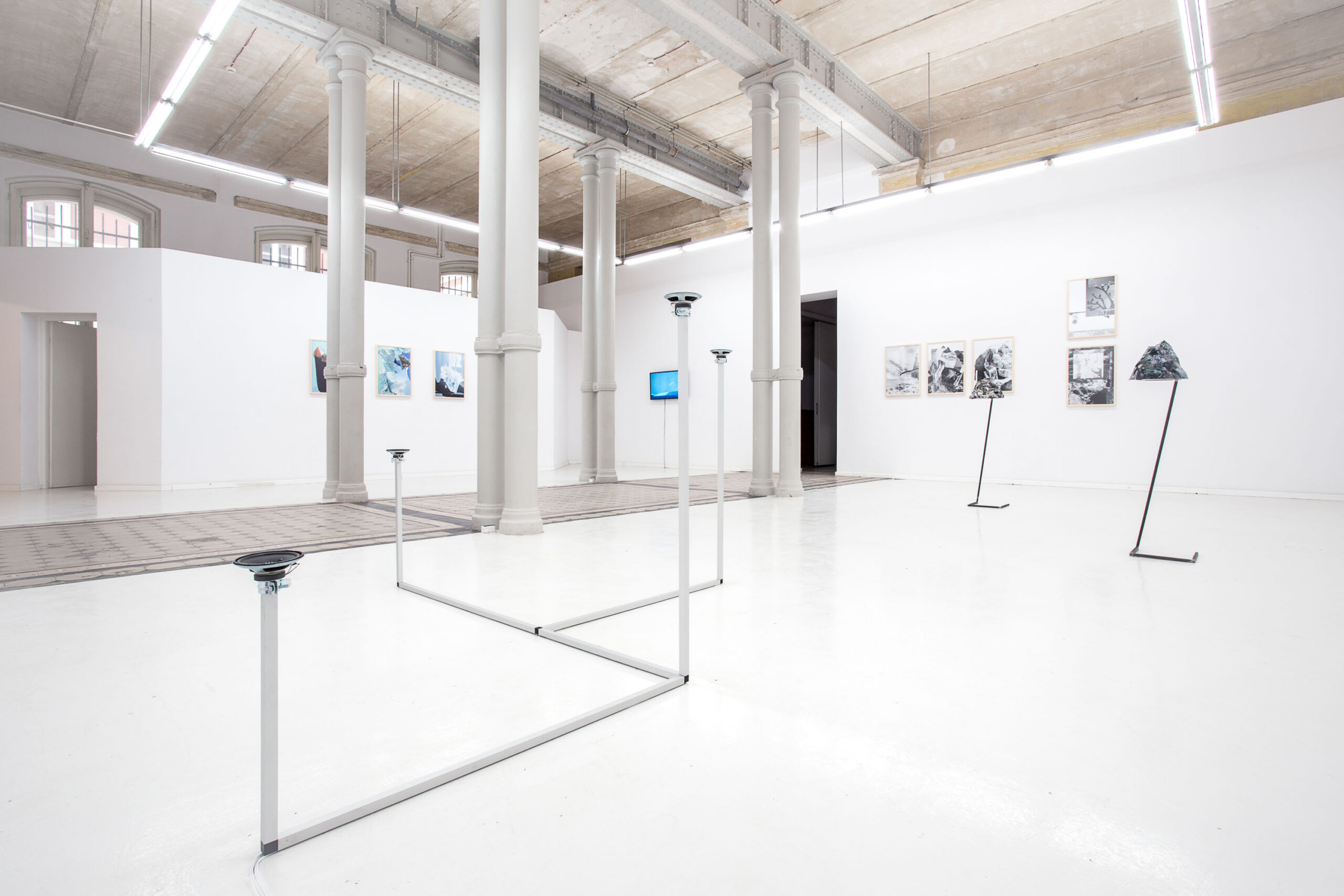 Jacek Doroszenko - How to travel - Sound installation - Warsaw - Propaganda - Exhibition 01
