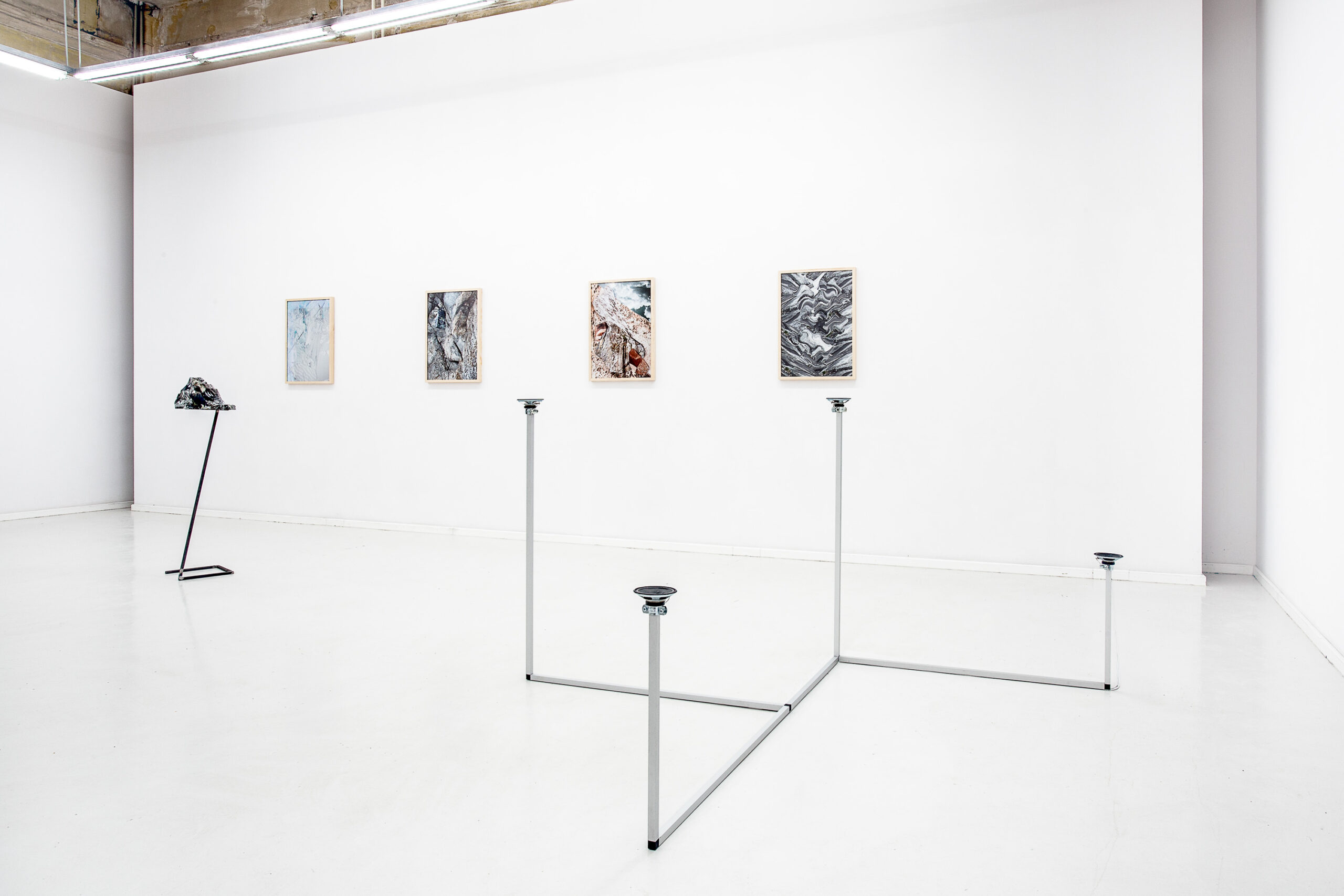 Jacek Doroszenko - How to travel - Sound installation - Sculpture - Exhibition - Propaganda Gallery 01