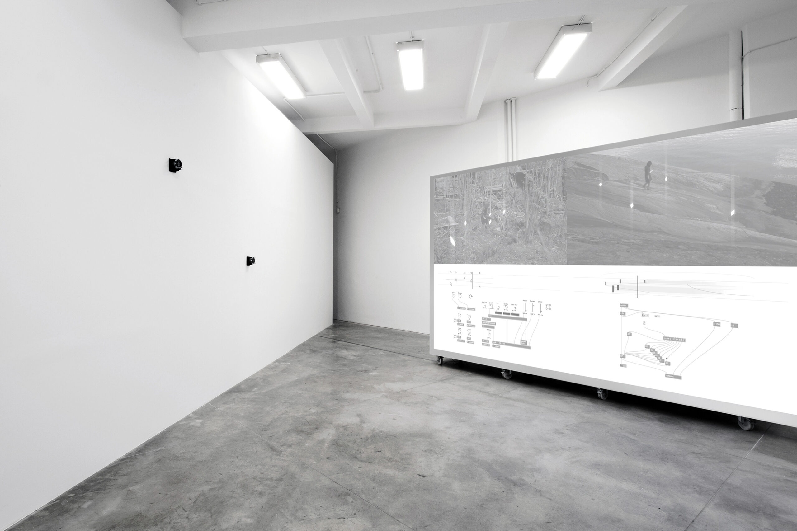 Jacek Doroszenko - Polyphonic Body, exhibition view, FAIT Gallery, Brno