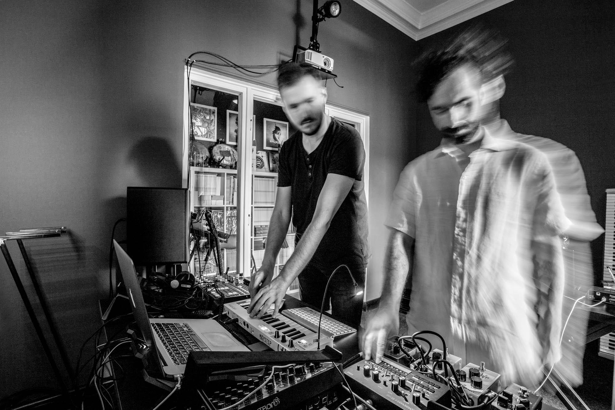 Jacek Doroszenko - Visual and sound artist - Performance - Rehersal - Ampscent 01